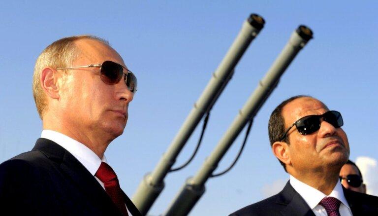 Sisi cer uz Krievijas palīdzību terorisma apkarošanā