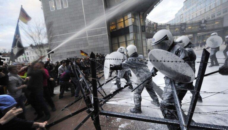 Fotoreportāža: Briselē protestē Eiropas piensaimnieki