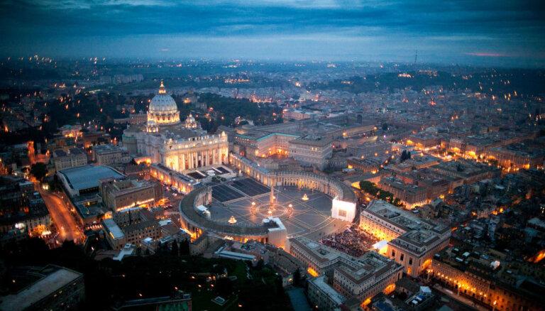 ВИДЕО: Папа римский Франциск выступил на пустой площади Святого Петра