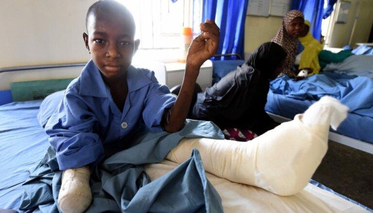 Nigērijā bēgļu nometnē teroristi pašnāvnieki nogalinājuši vismaz 70 cilvēku