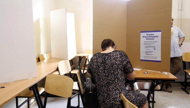 'Cilvēki pagaida pusstundu un iet prom' – aculiecinieks par novēroto EP vēlēšanu iecirknī