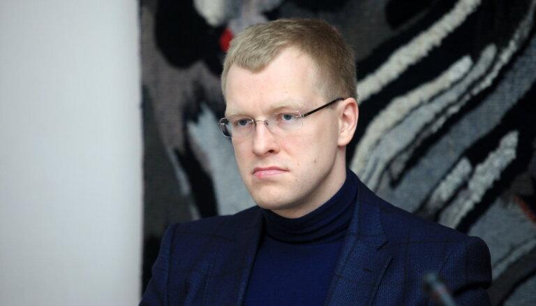 Osinovska miljona lietas materiāli: Elksniņš prasījis naudu 'priekš KNAB', ziņo LTV