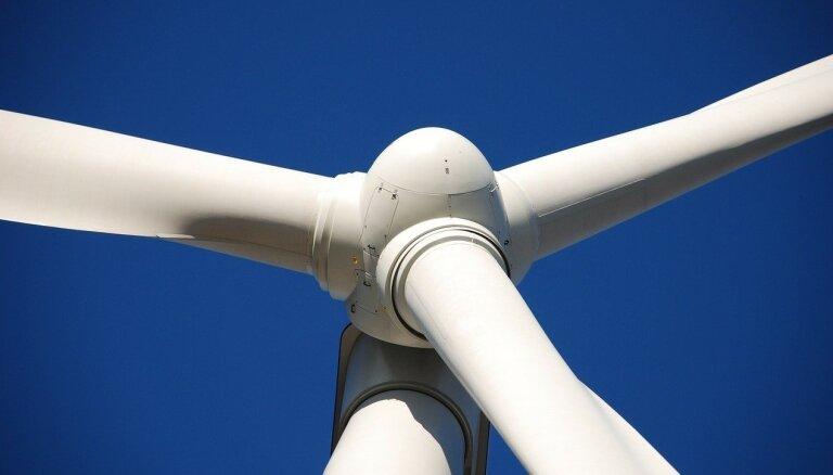 Vācijas ministre mudina 2% zemes atvēlēt vēja enerģijai
