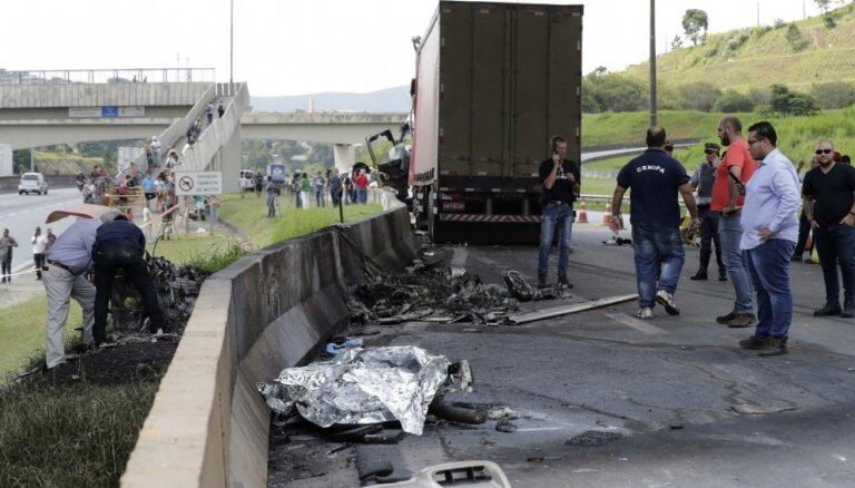 Brazīlijā helikoptera avārijā gājis bojā viens no valsts pazīstamākajiem žurnālistiem