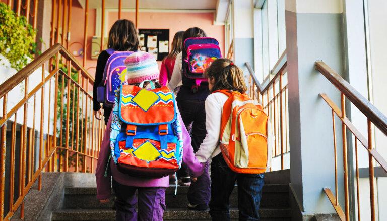 Пять килограммов знаний. Кто отвечает за вес школьной сумки?