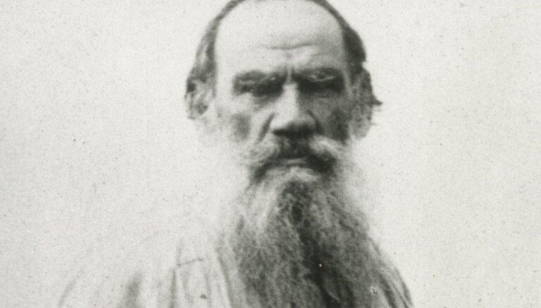 10 spēcīgi citāti no dižā pacifista Ļeva Tolstoja darbiem