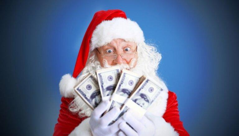 Pieci ieteikumi, kā nepārtērēties, gādājot Ziemassvētku dāvanas ģimenei