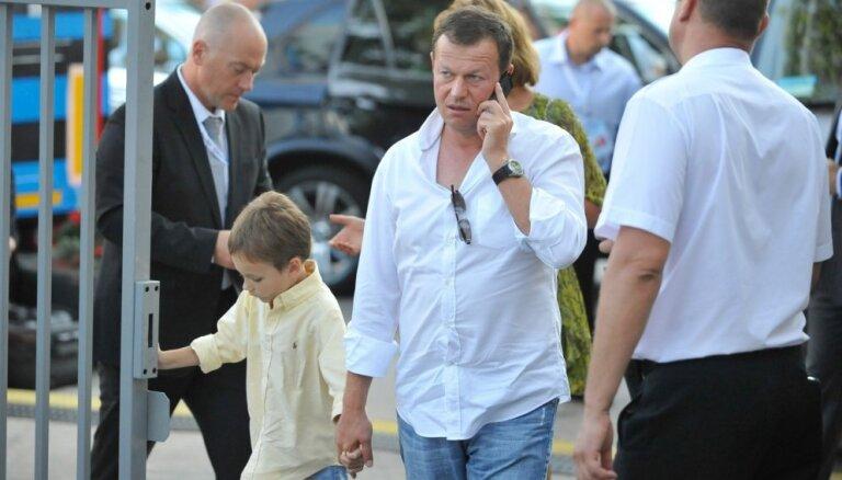 Raidījums: Valsts krievu miljardierim sarūpējusi vēl vienu īpašumu Gaiziņa pakājē