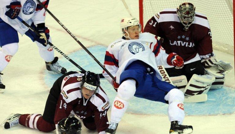 Latvijas hokeja izlasei uzvara pēdējā pārbaudes spēlē