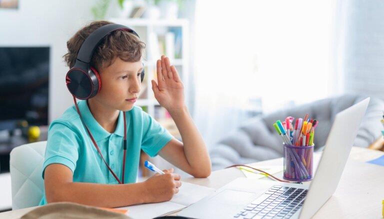 Учеников 5-6-х классов в Риге могут перевести на удаленку