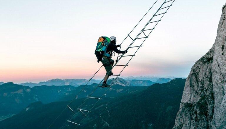 Ceļš uz debesīm – kāpnes Austrijā, kas savieno divas kalnu virsotnes