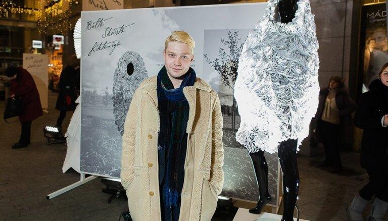 Rīgā atklāta oriģinālu kāzu kleitu izstāde