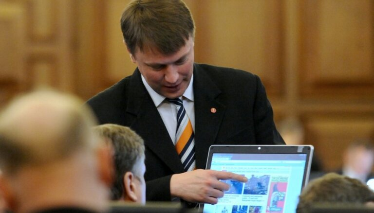 """""""ЦС"""": надо разрешить негражданам коллективные заявления в Сейм"""