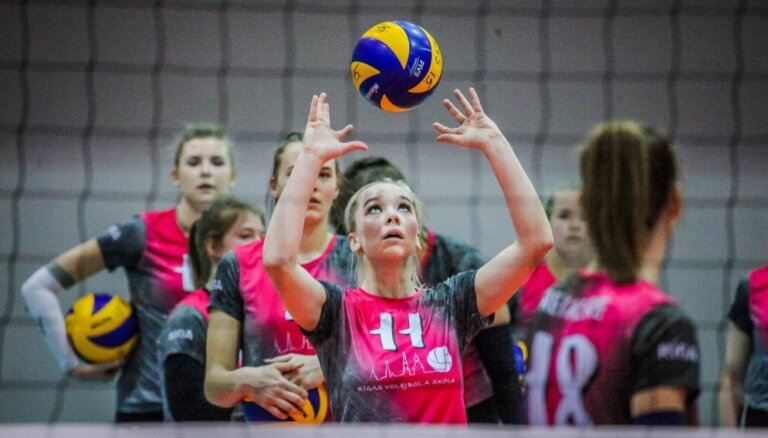 RVS volejbolistes dramatiskā mačā izcīna Baltijas līgas bronzas medaļas