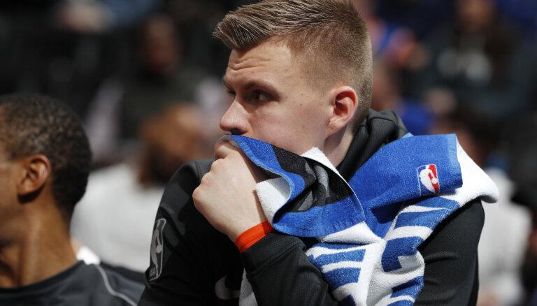 Porziņģis nerealizē nevienu metienu no spēles 'Mavericks' uzvarā