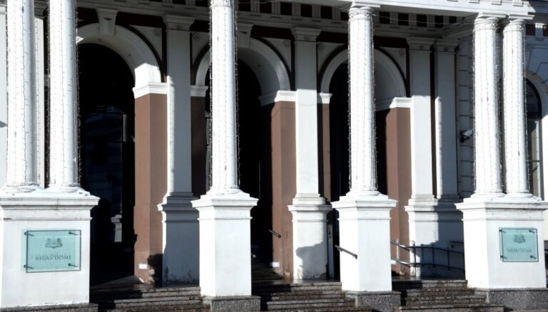 Rīgas dome koriģē pastāvīgo komiteju sastāvus