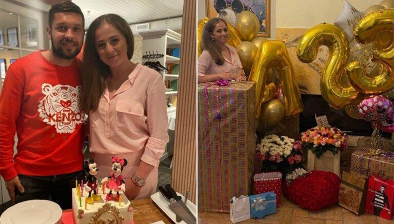 ФОТО: Алена Остапенко отметила 23-летие с возлюбленным