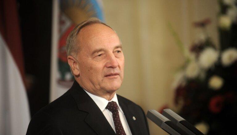 Prezidents izsludina Vidzemes, Latgales, Kurzemes un Zemgales ģerboņu likumu