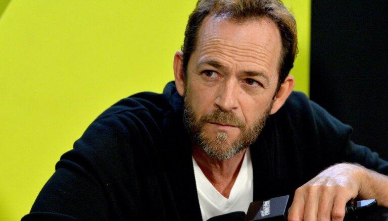 Seriāla 'Beverlihilsa' aktieris Lūks Perijs piedzīvojis insultu