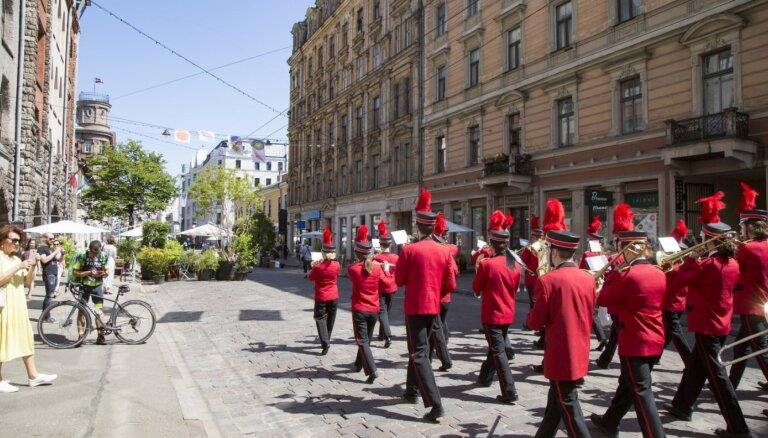 Никаких нарушений или толпы народа? Временная администрация Риги поспорила об улице Тербатас