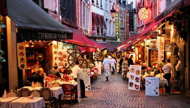Maltīte ārzemēs: noderīgi padomi, kā izvēlēties ēdienus un neapjukt