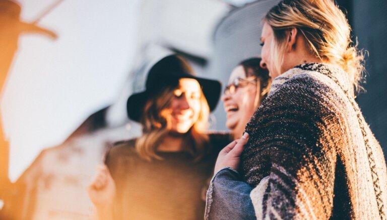 Arī draudzība var nogurdināt. Kā komunicēt ar draugiem pandēmijas laikā
