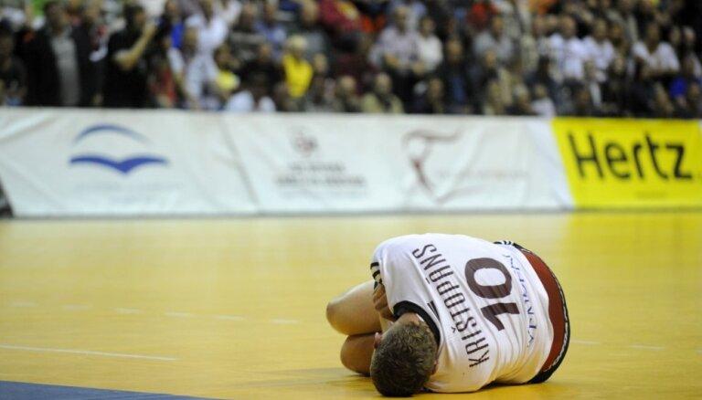 Latvijas handbola izlase galvenā trenera debijā spēlēs bez Krištopāna