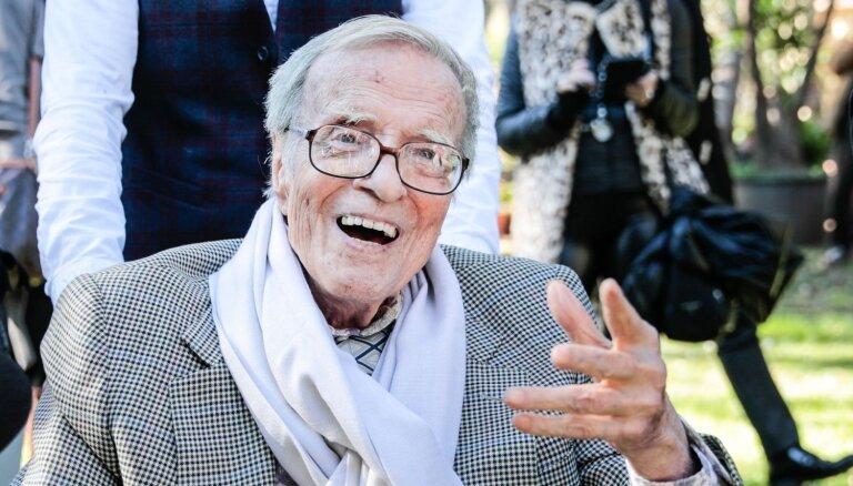 96 gadu vecumā miris slavenais itāļu režisors Franko Dzefirelli