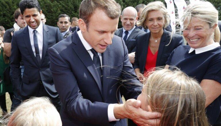 Франция вводит обязательное школьное образование с трех лет