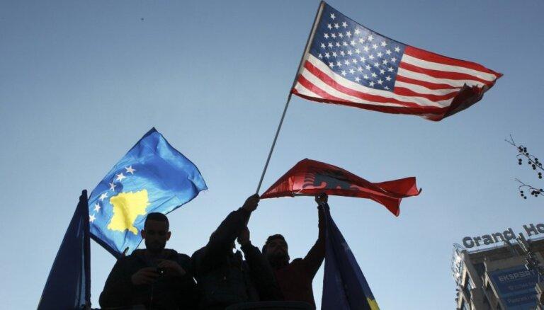 ASV aicina Serbiju un Kosovu pārtraukt savstarpējās provokācijas un atsākt sarunas