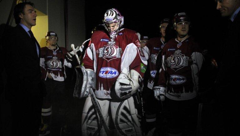 Rīgas 'Dinamo' 28 hokejistu sastāvā devusies uz turnīru Ņižņijnovgorodā