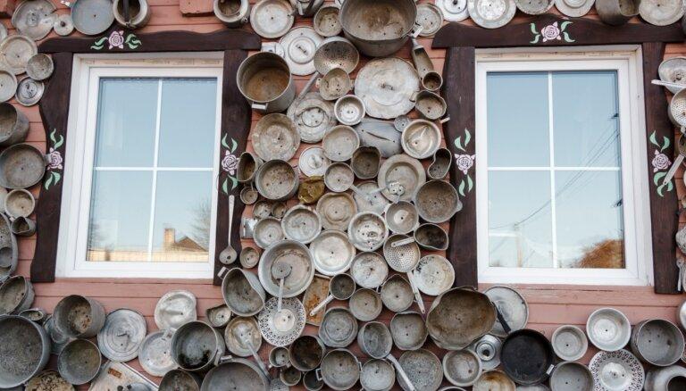 Klāts katliem un pannām: neparasts namiņš Lietuvā