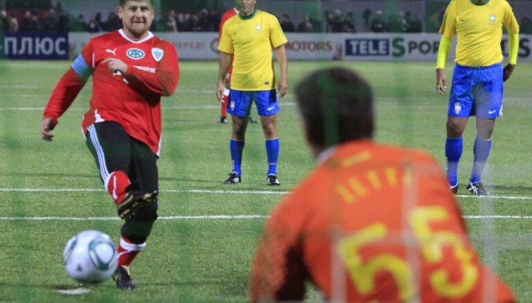 Кадыров на весь стадион оскорбил футбольного арбитра