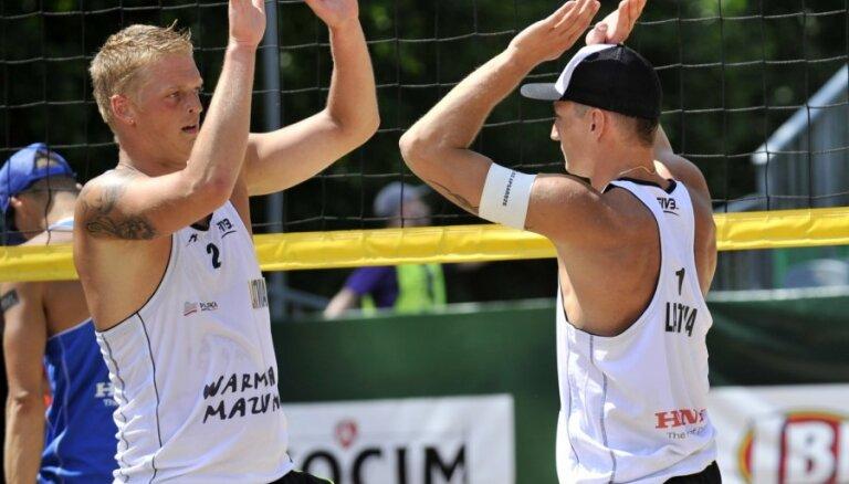 Во второй день ЧМ латвийские пляжники дружно одержали победы