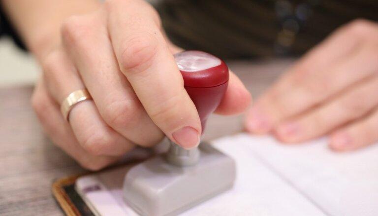 Svētdienas rītā noslēgušās 13. Saeimas vēlēšanas; slēgti vēlēšanu iecirkņi visā pasaulē