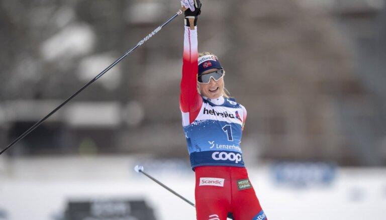 Juheuga atgriežas 'Tour de Ski' čempiones tronī