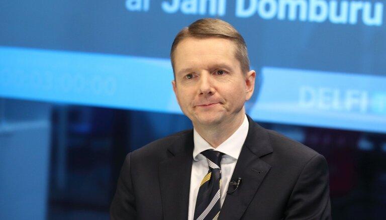 Nauda Latvijā kļuvusi daudz lēnāka – intervija ar FKTK vadītāju Putniņu