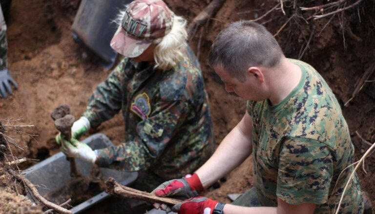 Auces novadā atrod un ekshumē 308. divīzijas karavīrus; oficiāli pārapbedīti jau PSRS laikā