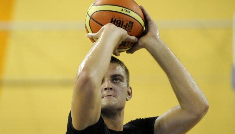 Freimaņa tālmetiens ļauj 'Himik' izlīdzināt rezultātu Ukrainas čempionāta finālsērijā