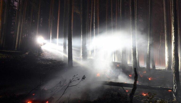 Izdevies likvidēt Ķemeru parka meža un purva ugunsgrēku