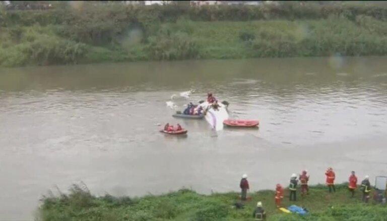 Avarējušās lidmašīnas pasažieru glābšanas Taivānā