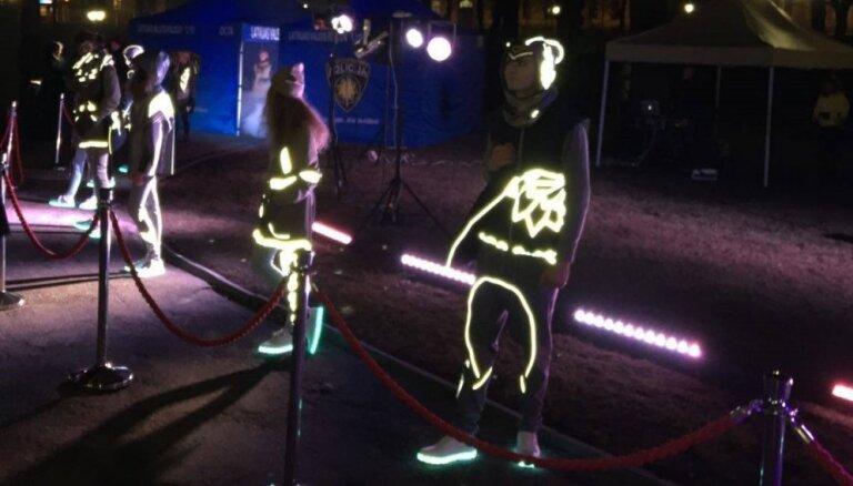 Foto: Policija rīko modes skati 'Dzīvība ir modē'