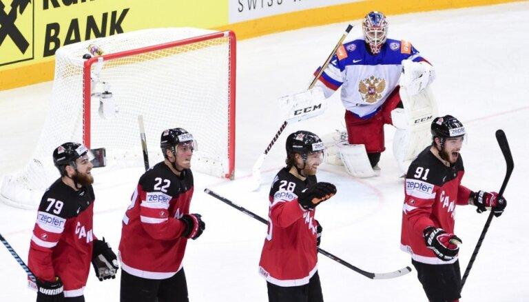 Video: Kanādas hokejisti PČ finālā 'izpogā' Krieviju