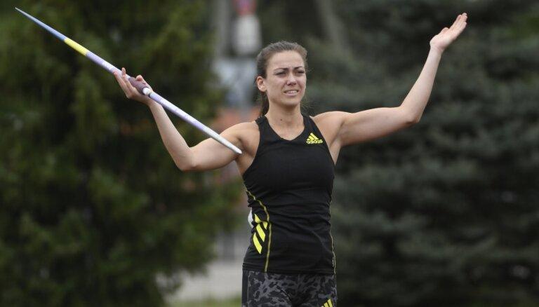 Kociņa pēdējā mēģinājumā pietuvojas olimpiskajam normatīvam un svin uzvaru Latvijas čempionātā