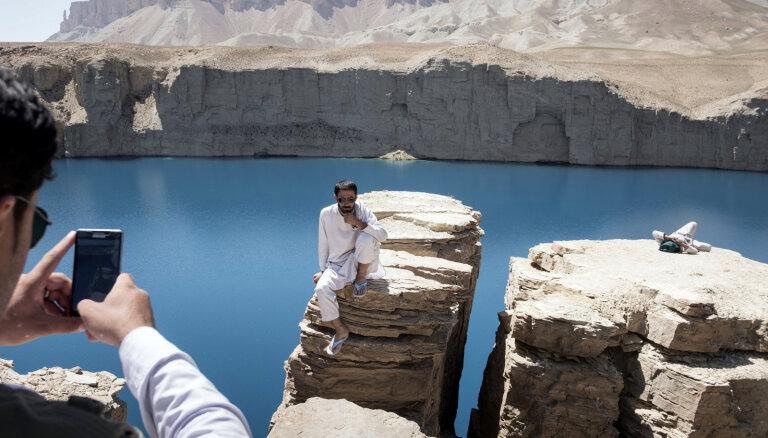 Bandiamīras ezeri: cauri kalniem uz tirkīzzilu miera veldzi nemierīgajā Afganistānā