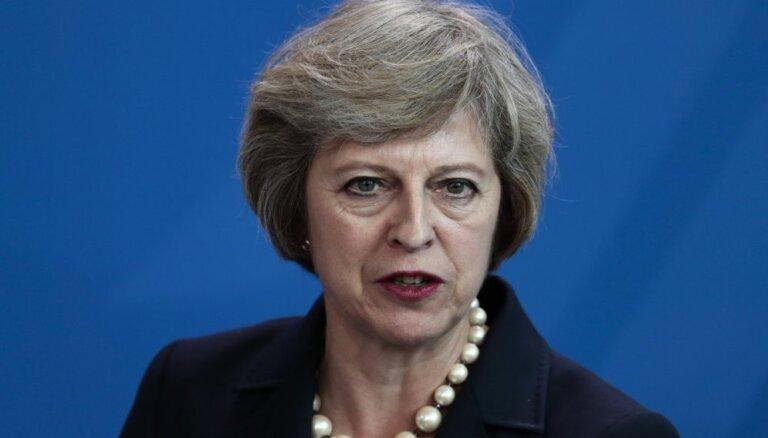 Meja zaudē parlamenta balsojumā par 'Brexit' stratēģiju