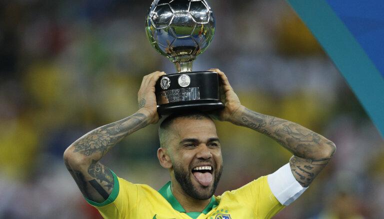 Бразилия выиграла Кубок Америки, Месси заработал второе удаление в карьере
