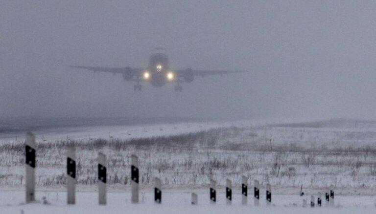 Самолет премьера Эстонии из-за погоды не смог приземлиться в Риге