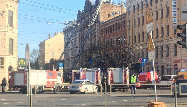 Merķeļa ielas hosteļa ugunsgrēks: EM darba grupa varētu būt nonākusi strupceļā