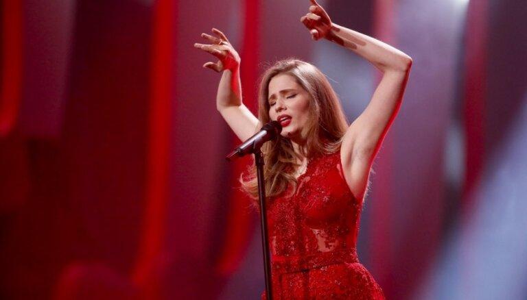 """Латвийская участница """"Евровидения"""" второй раз вышла на сцену в Лиссабоне"""